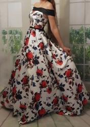 4097a182eb82 barevné vzorované květované plesové šaty