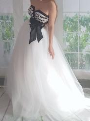 černobílé puntíkované svatební či plesov. c87ae45623