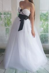 černobílé svatební či plesové šaty dvoud. fcbffb6a68