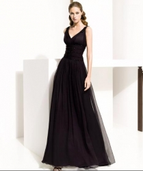černé společenské šaty šité na míru eed86cc8e0