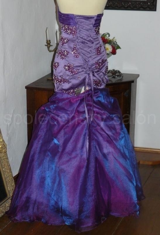 7711db15bc0 Brode fialové sexy plesové šaty originální šité na míru