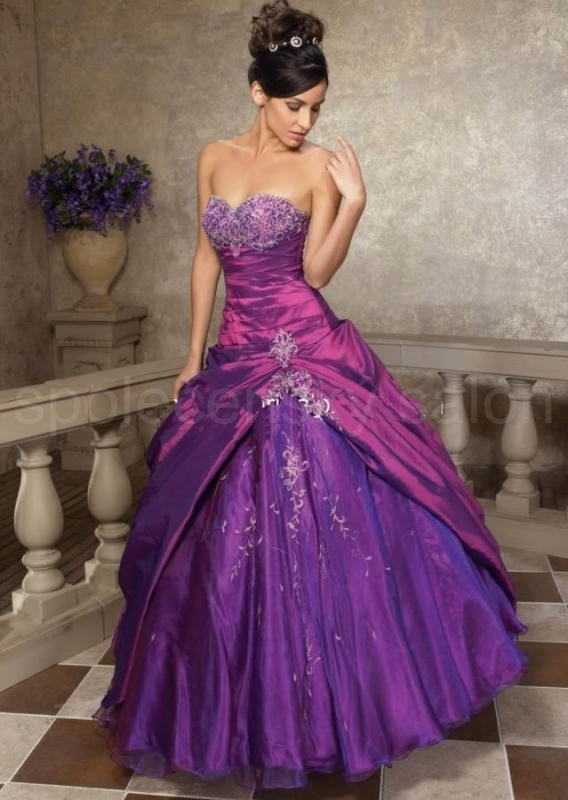 d6ce9dde066 fialové šaty