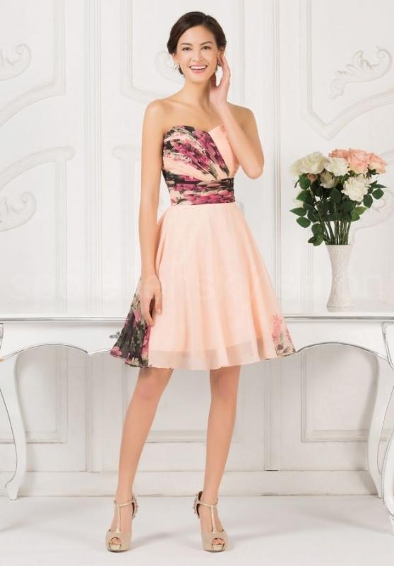 a063be66c795 květované vintage krátké společenské šaty korzetové