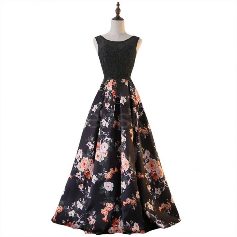 c389a7cc8f64 z Sofia plesové šaty vzorované s květy s krajkou